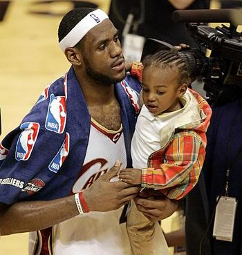 Lebron-james-son-picture_display_image