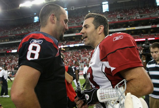 GLENDALE, AZ - OCTOBER 11:  Quarterbacks Matt Schaub #8 of the Houston Texans and Kurt Warner #13 of the Arizona Cardinals talk following the NFL game at the Universtity of Phoenix Stadium on October 11, 2009 in Glendale, Arizona. The Cardinals defeated t