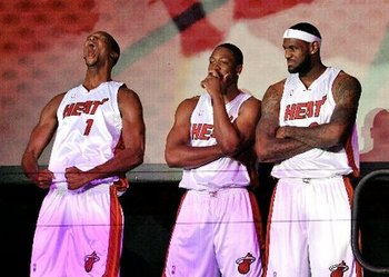 Lebron-james-chris-bosh-dwyane-wade-introduced-in-miami-7821fbe30df9302c_large_display_image