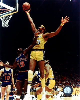 Wilt_chamberlain_rim_action_photofile1_display_image
