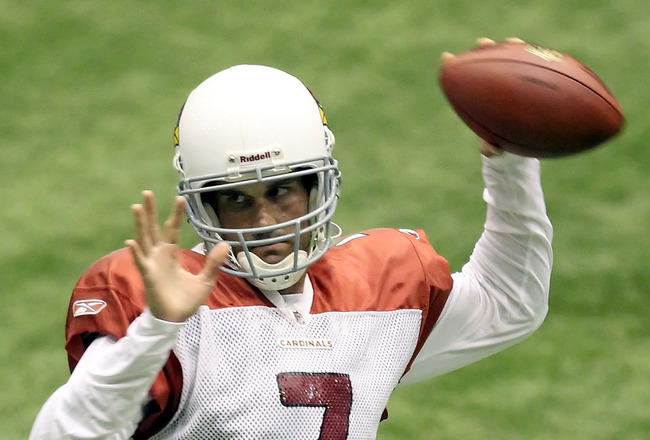 FLAGSTAFF, AZ - AUGUST 01:  Quarterback Matt Leinart #7 of the Arizona Cardinals practices at Northern Arizona University Walkup Skydome on August 1, 2010 in Flagstaff, Arizona.  (Photo by Christian Petersen/Getty Images)