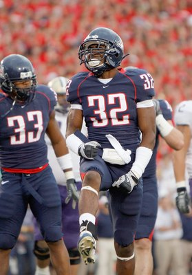 TUSCON - OCTOBER 4:  Nate Ness #32 of the Arizona Wildcats reacts on the field during the game against the Washington Huskies on October 4, 2008 at Arizona Stadium in Tucson, Arizona. (Photo by: Gregory Shamus/Getty Images)