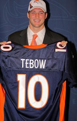 ENGLEWOOD, CO - APRIL 23:  Denver Broncos introduce NFL first round draft pick Tim Tebow during a press conference at the Broncos Headquarters in Dove Valley on April 23, 2010 in Englewood, Colorado.  (Photo by Doug Pensinger/Getty Images)