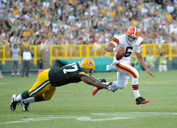 GREEN BAY - AUGUST 14: Seneca Wallace #6 of the Cleveland Browns scrambles during the NFL preseason game against the Green Bay Packers at Lambeau Field August 14, 2010 in Green Bay, Wisconsin.  (Photo by Tom Dahlin/Getty Images)