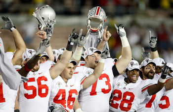 PASADENA, CA - JANUARY 01:  The Ohio State Buckeyes celebrate after a 26-17 win in the 96th Rose Bowl game over the Oregon Ducks on January 1, 2010 in Pasadena, California.  (Photo by Jeff Gross/Getty Images)