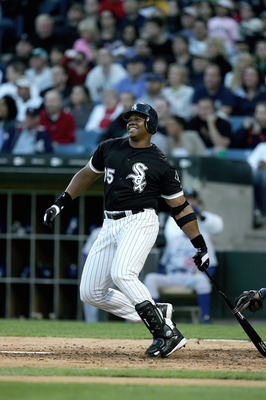 CHICAGO - JUNE 17:  Frank Thomas #35 of the Chicago White Sox bats during the game with the Los Angeles Dodgers on June 17, 2005 at U.S. Cellular Field in Chicago, Illinois. The White Sox defeated the Dodgers 6-0. (Photo by Jonathan Daniel/Getty Images)