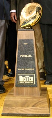 Big_ten_trophy_medium_display_image