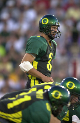01 Sep 2001: Quarterback Joey Harrington of the Oregon Ducks calls out signals during the Pac-10 game against the Wisconsin Badgers at Autzen Stadium in Eugene, Orgeon.  Oregon won 31-28. DIGITAL IMAGE. Mandatory Credit: Otto Greule/Allsport
