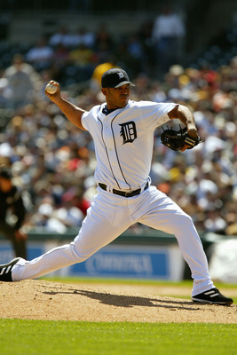 DETROIT - MAY 5:  Ugueth Urbina #74 of the Detroit Tigers pitches during the game against the Boston Red Sox at Comerica Park on May 5, 2005 in Detroit, Michigan. The Red Sox beat the Tigers 2-1.(Photo by Dave Sandford/Getty Images)