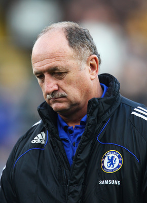 LONDON - DECEMBER 28:  Luis Felipe Scolari the Chelsea manager looks on prior to kickoff during the Barclays Premier League match between Fulham and Chelsea at Craven Cottage on December 28, 2008 in London, England.  (Photo by Phil Cole/Getty Images)