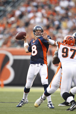 CINCINNATI, OH - AUGUST 15: Kyle Orton #8 of the Denver Broncos looks to pass during the preseason game against the Cincinnati Bengals at Paul Brown Stadium on August 15, 2010 in Cincinnati, Ohio. (Photo by Joe Robbins/Getty Images)