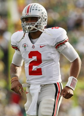 PASADENA, CA - JANUARY 01:  Quarterback Terrelle Pryor #2 of the Ohio State Buckeyes jogs off the field during the game against the Oregon Ducks in the 96th Rose Bowl game on January 1, 2010 in Pasadena, California.  (Photo by Stephen Dunn/Getty Images)