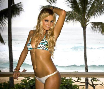 Alanablanchard-surfing_display_image