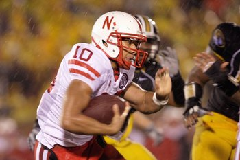 COLUMBIA, MO - OCTOBER 08:  Roy Helu Jr #10 of the Nebraska Cornhuskers carries the ball during the game against the Missouri Tigers on October 8, 2009 at Faurot Field/Memorial Stadium in Columbia, Missouri. (Photo by Jamie Squire/Getty Images)