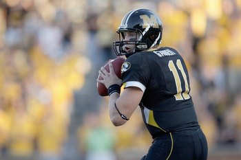 COLUMBIA, MO - NOVEMBER 7:  Quarterback Blaine Gabbert #11 of the Missouri Tigers looks to pass during the game against the Baylor Bears at Faurot Field/Memorial Stadium on November 7, 2009 in Columbia, Missouri. (Photo by Jamie Squire/Getty Images)