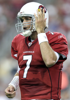 GLENDALE, AZ - AUGUST 14:  Quarterback Matt Leinart #7 of the Arizona Cardinals during preseason NFL game against the Houston Texans at the University of Phoenix Stadium on August 14, 2010 in Glendale, Arizona.  The Cardinals defeated the Texans 19-16.  (