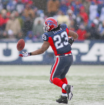 ORCHARD PARK, NY - JANUARY 03: Marshawn Lynch #23  of the Buffalo Bills fails to make a catch against the Indianapolis Colts at Ralph Wilson Stadium on January 3, 2010 in Orchard Park, New York.  (Photo by Rick Stewart/Getty Images)