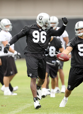 NAPA, CA - AUGUST 01:  Kamerion Wimbley #96 of the Oakland Raiders works out during the Raiders training camp at their Napa Valley Training Complex on August 1, 2010 in Napa, California.  (Photo by Ezra Shaw/Getty Images)