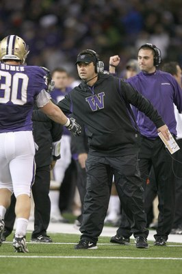 SEATTLE - DECEMBER 05: Head coach Steve Sarkisian of the Washington Huskies greets Paul Homer #30 against the California Bears on December 5, 2009 at Husky Stadium in Seattle, Washington. The Huskies defeated the Bears 42-10. (Photo by Otto Greule Jr/Gett