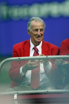 ST. LOUIS, MO - JULY 14:  Hall of Famer Stan Musial of the St. Louis Cardinals holds the ball for the ceremonial first pitch before the 2009 MLB All-Star Game at Busch Stadium on July 14, 2009 in St. Louis, Missouri. (Photo by Dilip Vishwanat/Getty Images