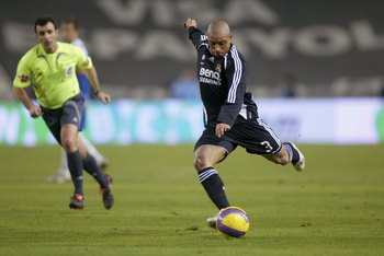 BARCELONA, SPAIN - DECEMBER 17: Roberto Carlos of Real Madrid in action during the match between RCD Espanyol and Real Madrid, of La Liga, at the Lluis Companys stadium on December 17, 2006,  in Barcelona, Spain. (Photo by Bagu Blanco/Getty Images).