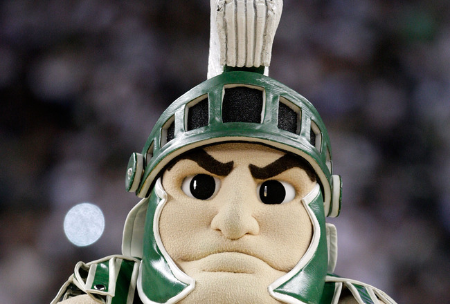 Sparty-the-mascot-for-the-michigan-state-spartans-looks-on-in-the-first-half_crop_650x440
