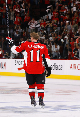 OTTAWA, ON - APRIL 24:  Daniel Alfredsson #11 of the Ottawa Senators salutes the crowd after an overtime loss to the Pittsburgh Penguins in Game 6 of the Eastern Conference Quaterfinals during the 2010 Stanley Cup Finals at Scotiabank Place on April 24, 2