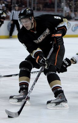 ANAHEIM, CA - MARCH 29:  Bobby Ryan #9 of the Anaheim Ducks skates against the Dallas Stars at the Honda Center on March 29, 2010 in Anaheim, California.  (Photo by Jeff Gross/Getty Images)
