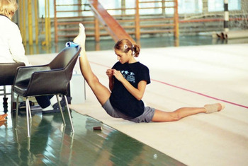 40flexible-gymnasts-15_display_image