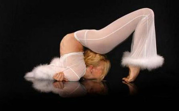 14flexible-gymnasts-17_display_image