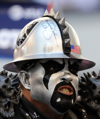 ARLINGTON, TX - NOVEMBER 26:  An Oakland Raiders fan during the game against the Dallas Cowboys at Cowboys Stadium on November 26, 2009 in Arlington, Texas.  (Photo by Ronald Martinez/Getty Images)