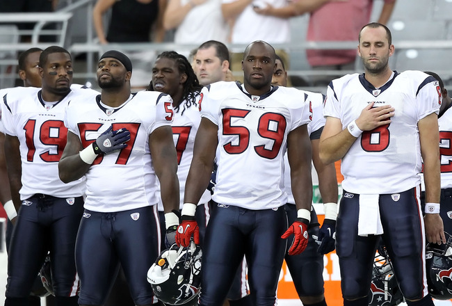 GLENDALE, AZ - AUGUST 14:  (L-R) Dorin Dickerson #19, Kevin Bentley #57, DeMeco Ryans #59 and Matt Schaub #8 of the Houston Texans during preseason NFL game against  the Arizona Cardinals at the University of Phoenix Stadium on August 14, 2010 in Glendale