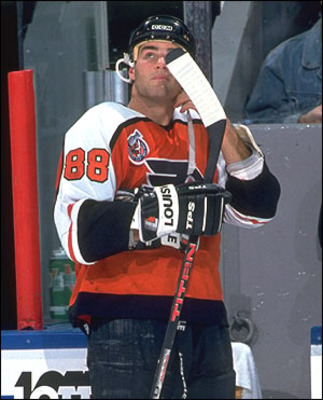 P1_110707_lindros_si_display_image
