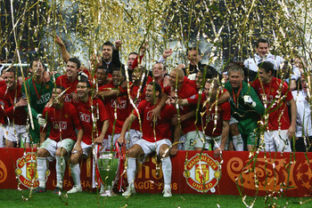 MOSCOW - MAY 21:  Manchester United players celebrate with the trophy following their team's victory during the UEFA Champions League Final match between Manchester United and Chelsea at the Luzhniki Stadium on May 21, 2008 in Moscow, Russia.  (Photo by A