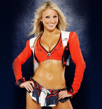 Nikki-broncos_display_image