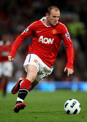 MANCHESTER, ENGLAND - AUGUST 16:   Wayne Rooney of Manchester United in action during the Barclays Premier League match between Manchester United and Newcastle United at Old Trafford on August 16, 2010 in Manchester, England. (Photo by Alex Livesey/Getty