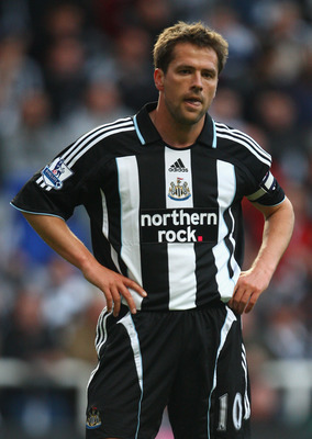 NEWCASTLE, UNITED KINGDOM - MAY 11:  Michael Owen of Newcastle United looks on during the Barclays Premier League match between Newcastle United and Middlesbrough at St James' Park on May 11, 2009 in Newcastle, England.  (Photo by Laurence Griffiths/Getty