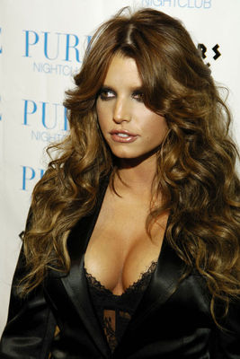 Jessica-simpson-cleavage-02-thumb_display_image