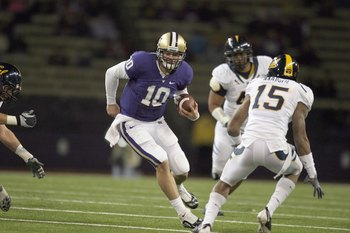 Jake Locker will claim the Heisman Trophy and lead UW back to the Rose Bowl this season