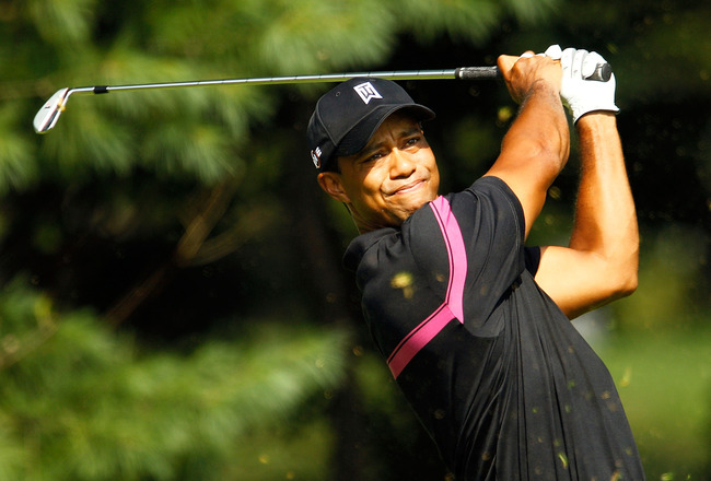 PARAMUS, NJ - AUGUST 26:  Tiger Woods watches his tee shot on the 14th hole during the first round of The Barclays at the Ridgewood Country Club on August 26, 2010 in Paramus, New Jersey.  (Photo by Scott Halleran/Getty Images)