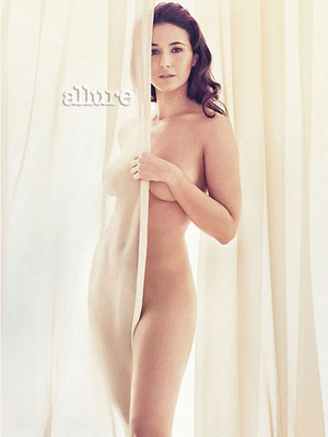 Emmanuelle_chriqui_nude_a_display_image