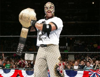 Rey-mysterio-with-championship-belt_display_image