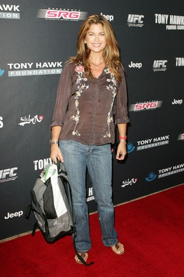 LOS ANGELES, CA - OCTOBER 07:  Model Kathy Ireland arrives for Tony Hawk's Proving Ground Stand Up For Skateparks event at a private residence on October 7, 2007 in Los Angeles, California.  (Photo by Noel Vasquez/Getty Images)