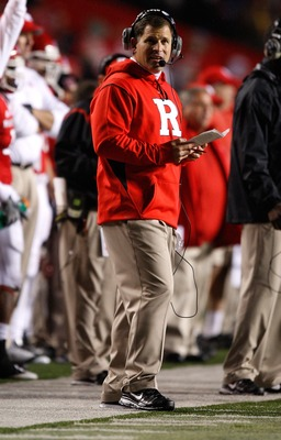 PISCATAWAY, NJ - OCTOBER 16: Head Coach Greg Schiano of the Rutgers University Scarlett Knights watches his team play against the University of Pittsburgh Panthers on October 16, 2009 at Rutgers Stadium in Piscataway, New Jersey. (Photo by Jared Wickerham