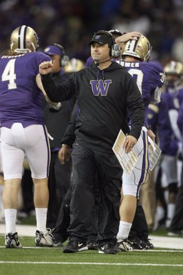 SEATTLE - DECEMBER 05:  Head coach Steve Sarkisian of the Washington Huskies motions from the sidelines during the game against the California Bears on December 5, 2009 at Husky Stadium in Seattle, Washington. The Huskies defeated the Bears 42-10. (Photo