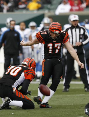 CINCINNATI, OH - DECEMBER 6: Shayne Graham #17 of the Cincinnati Bengals kicks a field goal against the Detroit Lions in their NFL game at Paul Brown Stadium December 6, 2009 in Cincinnati, Ohio.    (Photo by John Sommers II/Getty Images)