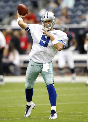 HOUSTON - AUGUST 28:  Quarterback Tony Romo #9 of the Dallas Cowboys warmups before playing the Houston Texans in a preseason game at Reliant Stadium on August 28, 2010 in Houston, Texas.  (Photo by Bob Levey/Getty Images)