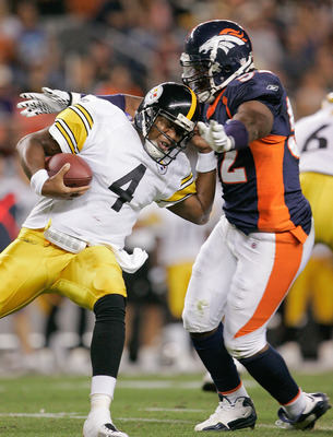 DENVER - AUGUST 29: Quarterback Byron Leftwich #4 of the Pittsburgh Steelers is sacked by linebacker Jason Hunter #52 of the Denver Broncos at INVESCO Field at Mile High on August 29, 2010 in Denver, Colorado.  (Photo by Justin Edmonds/Getty Images)