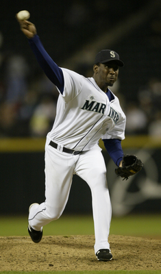 SEATTLE - SEPTEMBER 29:  Rafael Soriano #39 of the Seattle Mariners pitches against the Texas Rangers on September 29, 2005 at Safeco Field in Seattle, Washington.  (Photo by Otto Greule Jr/Getty Images)