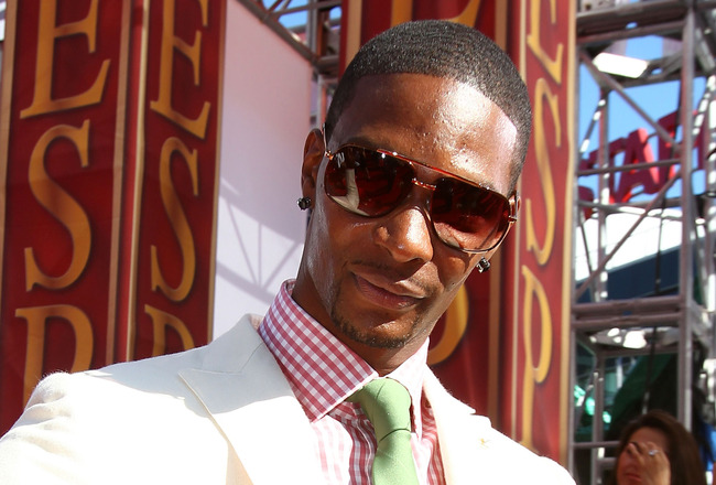 LOS ANGELES, CA - JULY 14:  Chris Bosh of the Miami Heat arrives at the 2010 ESPY Awards at Nokia Theatre L.A. Live on July 14, 2010 in Los Angeles, California.  (Photo by Alexandra Wyman/Getty Images for ESPY)